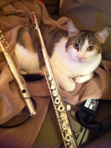 BellyRubz posing with some very un-Baroque flutes.